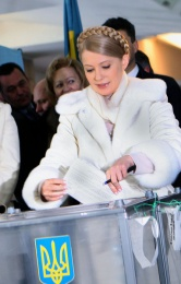 Julija Timoshenko al voto a Dnepropetrovsk