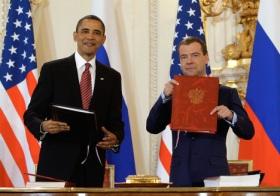 Obama e Medvedev dopo la firma del Trattato START 2