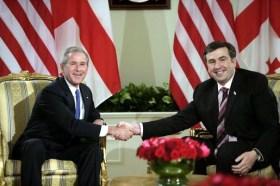Saakhasvili con George W. Bush