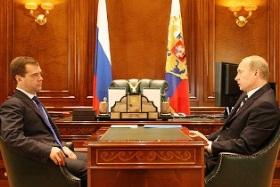 """""""Medvedev non ci sostiene"""", malumori nello staff di Putin"""