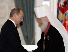 """Putin e il voto degli ortodossi: """"Io, paladino dei cristiani"""""""